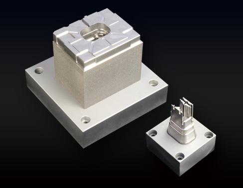 従来分割で製造していた金型を、一体造形可能。3次元冷却水管による冷却効率を高めたハイサイクルな射出成形を可能にします。