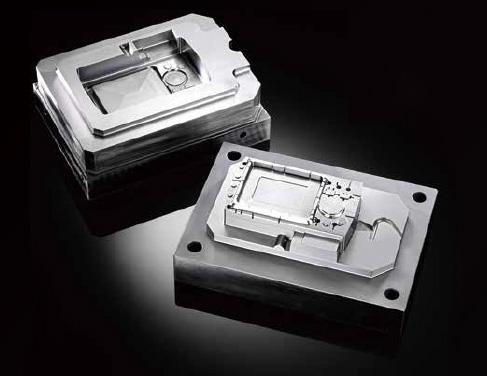 LUMEXでは金型の内部ラティス構造化も実現。必要な強度を保ちつつ、造形体積と造形時間を削減できます。またラティス構造によって冷却時間短縮・サイクルタイム向上が可能になります。